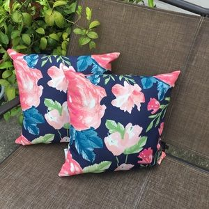 Other - 🎉HP🎉 Set of 2 Decorative Pillows